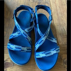 EUC Teva sandals worn a few times